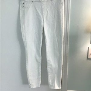 EUC Liverpool White Leggings   10/30